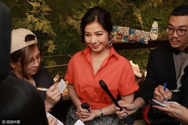 Chung Sở Hồng: Từ cô đào Hong Kong nóng bỏng giải nghệ để làm vợ đại gia đến góa phụ quyến rũ - Ảnh 14.