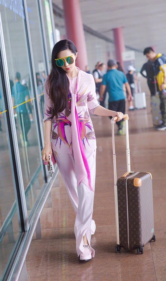 Phạm Băng Băng đẹp xuất sắc trong loạt ảnh không qua chỉnh sửa tại Paris Fashion Week - Ảnh 11.