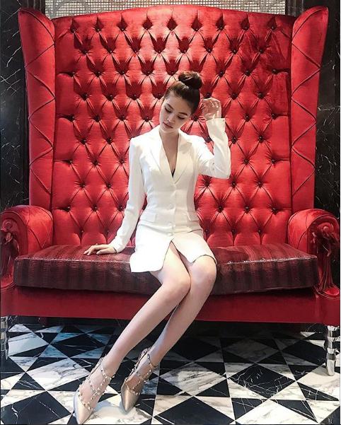 Ngắm cuộc sống sang chảnh, ngập trong đồ hiệu, du lịch xa xỉ của Jolie Nguyễn - hoa hậu hội con nhà giàu Việt Nam - Ảnh 3.