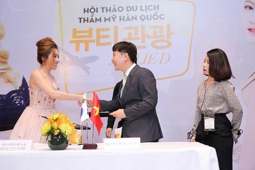 Xu hướng xuất ngoại kết hợp thẩm mỹ tại Hàn Quốc lên ngôi - Ảnh 2.
