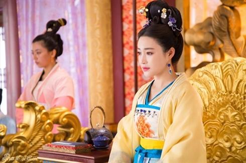 Triệu Phi Yến: Từ kỹ nữ lên làm Hoàng hậu Trung Hoa, ngang nhiên ngoại tình cùng cả dàn trai trẻ - Ảnh 4.