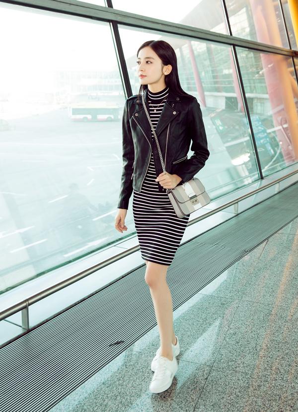 Cứ sang thu là 5 mẫu áo khoác quen thuộc này lại được loạt người đẹp Hoa ngữ lăng xê nhiệt tình - Ảnh 15.