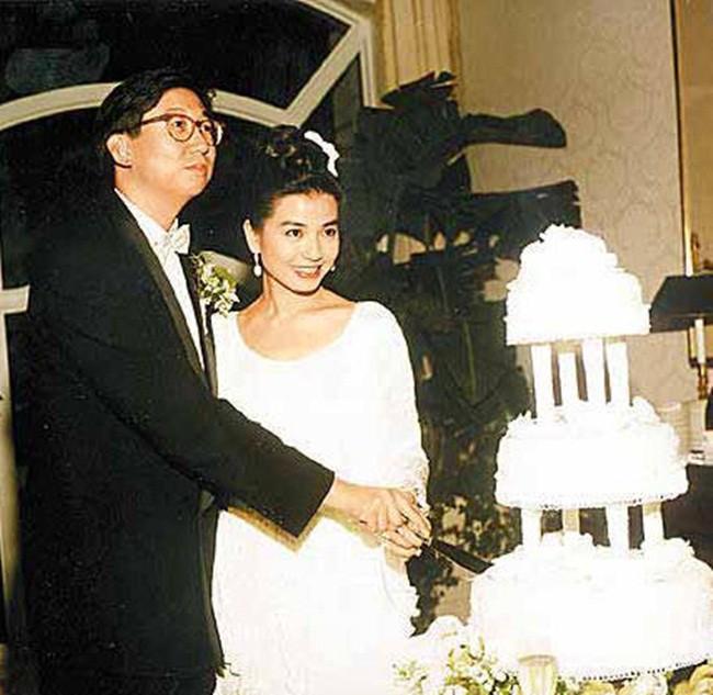Chung Sở Hồng: Từ cô đào Hong Kong nóng bỏng giải nghệ để làm vợ đại gia đến góa phụ quyến rũ - Ảnh 12.