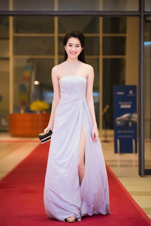 Đúng là chỉ có những thiết kế của Lê Thanh Hòa mới giúp Thu Thảo toả sáng - Ảnh 5.