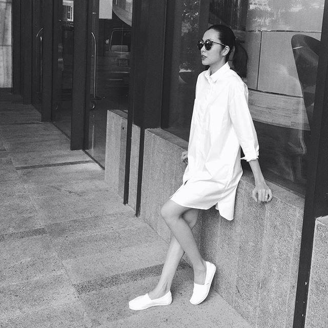 Cầu kỳ gì đâu, Tăng Thanh Hà chỉ cần diện đồ đen - trắng đơn giản thế này thôi cũng đẹp - Ảnh 17.