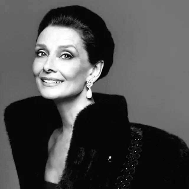 Sự thật bất ngờ về những món trang sức của Audrey Hepburn, công nương Diana hay Kate Middleton  - Ảnh 15.