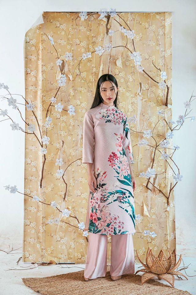 Du Xuân duyên dáng cùng loạt thiết kế áo dài truyền thống có giá dưới 3 triệu đồng - Ảnh 2.