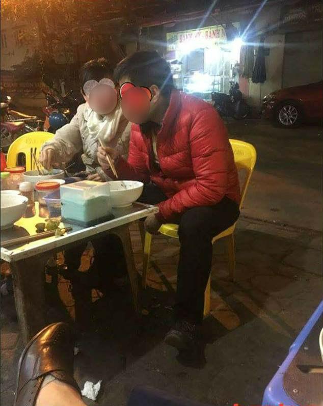 <a target='_blank' href='https://www.phunuvagiadinh.vn/co-gai.topic'>Cô gái</a> chê ỏng chê eo khi đi ăn tối khiến anh người yêu ê mặt, chủ quán cũng nhịn không nổi... - Ảnh 1.