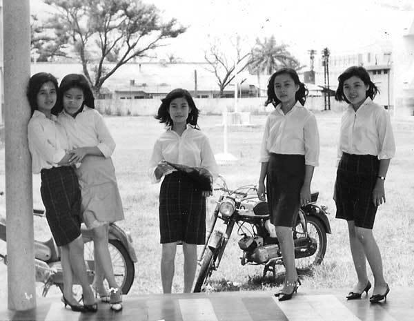 Hơn nửa thế kỷ trước, phụ nữ Sài Gòn đã mặc chất, chơi sang như thế này cơ mà! - Ảnh 4.
