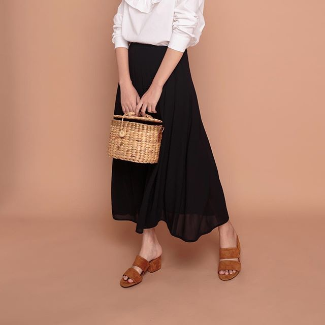 Nàng điệu đà đừng bỏ qua những mẫu chân váy giá dưới 500 ngàn đến từ các thương hiệu Việt này nhé! - Ảnh 3.