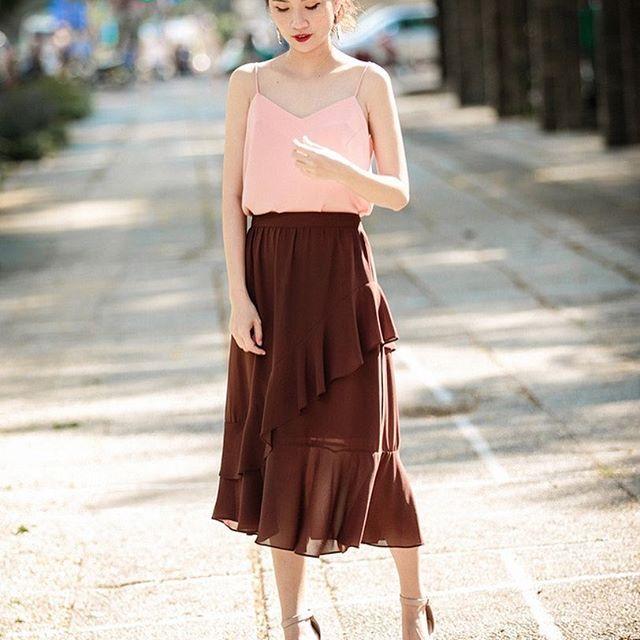 Nàng điệu đà đừng bỏ qua những mẫu chân váy giá dưới 500 ngàn đến từ các thương hiệu Việt này nhé! - Ảnh 1.