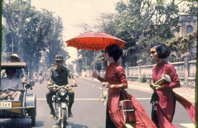 Hơn nửa thế kỷ trước, phụ nữ Sài Gòn đã mặc chất, chơi sang như thế này cơ mà! - Ảnh 26.