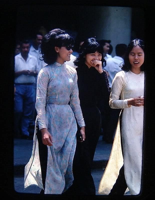 Hơn nửa thế kỷ trước, phụ nữ Sài Gòn đã mặc chất, chơi sang như thế này cơ mà! - Ảnh 27.