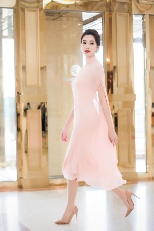Đúng là chỉ có những thiết kế của Lê Thanh Hòa mới giúp Thu Thảo toả sáng - Ảnh 8.