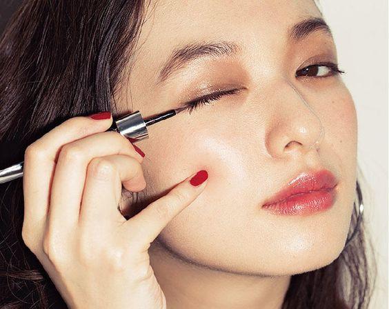 7 cây bút kẻ mắt giá chưa đến 200 nghìn mà vẫn giúp bạn có được đường eyeliner sắc sảo - Ảnh 2.