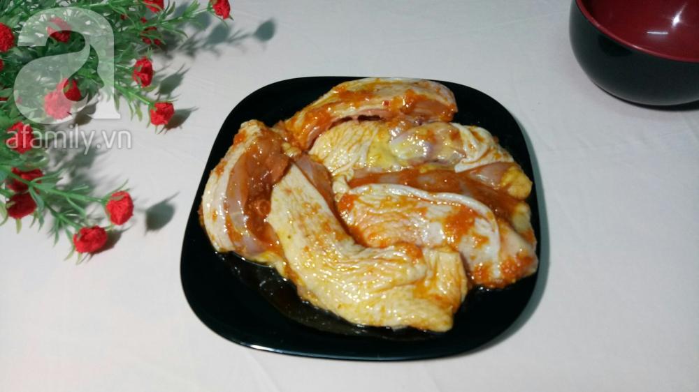Nấu mì Quảng gà cho bữa sáng nóng hổi thơm ngon - Ảnh 2