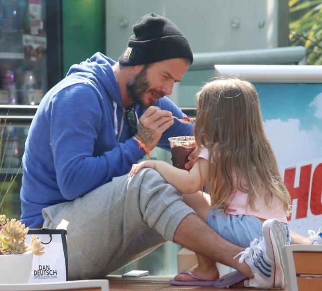 Những đứa trẻ hạnh phúc nhất thế giới thường xuyên được bố mẹ làm việc này - Ảnh 4.