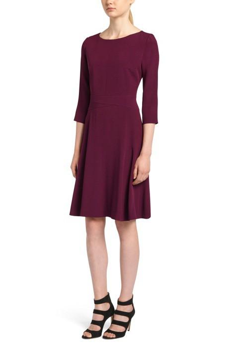 Đẳng cấp như nữ hoàng Tây Ban Nha cũng diện váy được sale chỉ còn nửa giá - Ảnh 2.