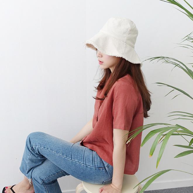 Cứ tưởng là già, nhưng năm nay vải thô đũi lại được khoác áo mới với loạt thiết kế cực trẻ - Ảnh 5.