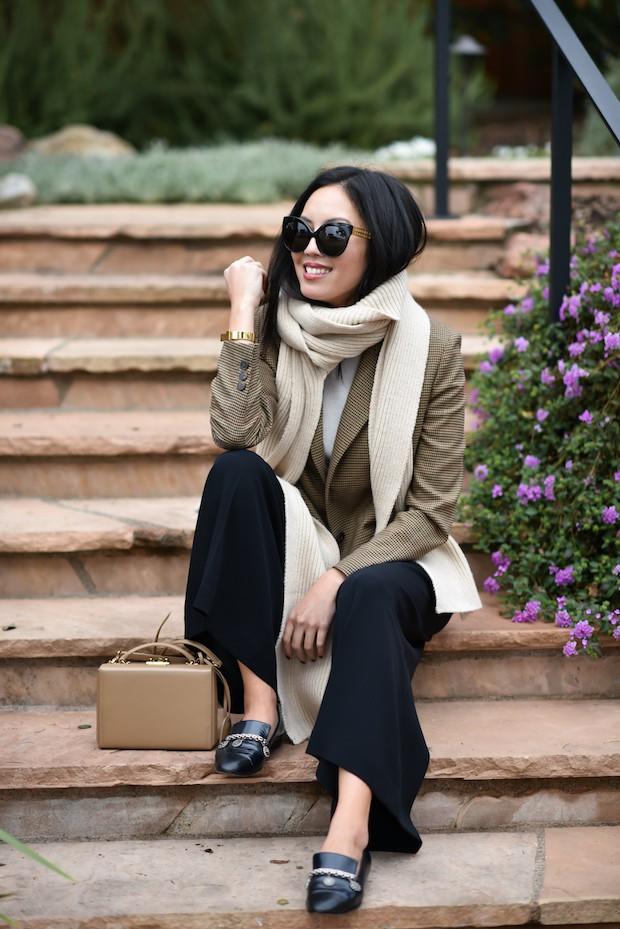 Muốn diện áo khoác kẻ thật đẹp, ắt hẳn bạn phải nghía qua street style Châu Á tuần này rồi - Ảnh 1.