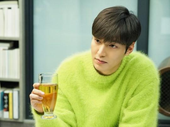 Ngẩn ngơ trước phong cách chuẩn soái ca ngôn tình của 3 mỹ nam phim Hàn - Ảnh 22.