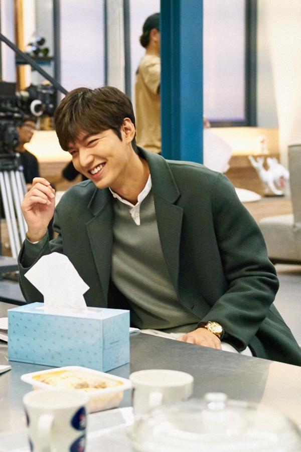 Ngẩn ngơ trước phong cách chuẩn soái ca ngôn tình của 3 mỹ nam phim Hàn - Ảnh 24.