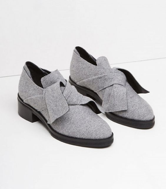 Xu hướng giày dép 2017: Thời đại của những thiết kế bánh bèo thắt nơ - Ảnh 4.