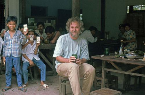 Quay ngược về 3 thập kỷ trước, lặng ngắm cổ trấn Sapa hoang sơ trong mắt nhiếp ảnh gia Tây - Ảnh 1.