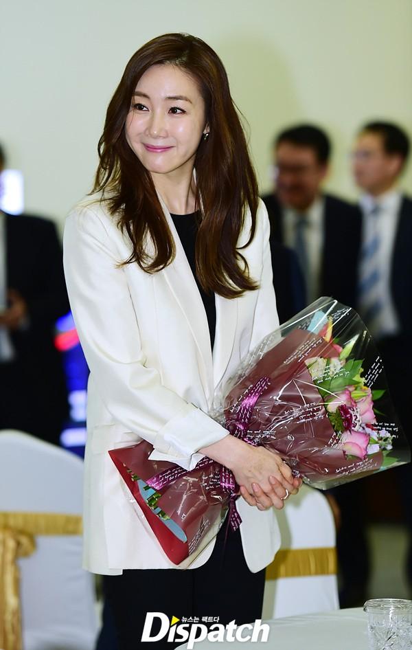 2 mỹ nhân xứ Hàn ở tuổi U50 rồi thế mà vẫn tươi trẻ như gái 20 thế này! - Ảnh 19.