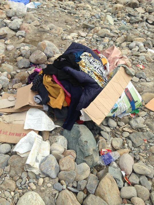 Mang bikini, đồ lót cũ đi từ thiện cho đồng bào vùng lũ Sơn La, nữ mạnh thường quân gây phẫn nộ - Ảnh 4.