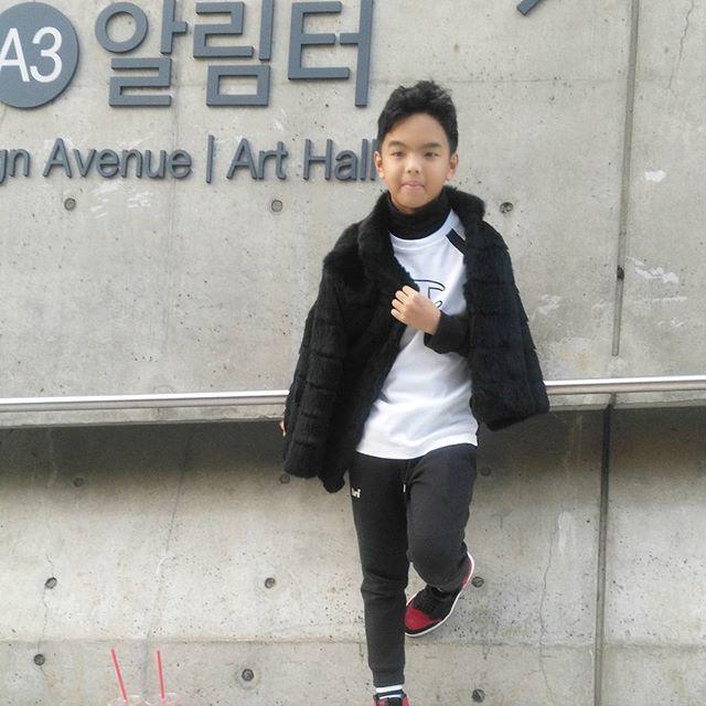 Đến tuần lễ thời trang Seoul, bạn sẽ chết mê với loạt street style chất lừ của các nhóc tì - Ảnh 12.