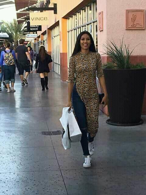 Đặt chân sang Mỹ tham dự Miss Universe 2017, Nguyễn Thị Loan đã mắc lỗi trang phục ngay ngày đầu tiên - Ảnh 4.
