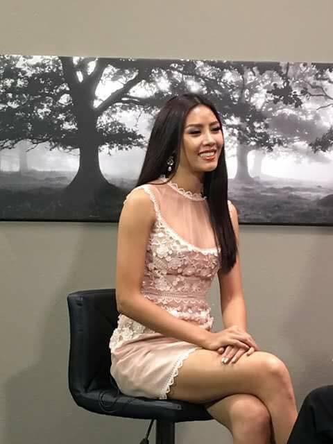 Đặt chân sang Mỹ tham dự Miss Universe 2017, Nguyễn Thị Loan đã mắc lỗi trang phục ngay ngày đầu tiên - Ảnh 10.