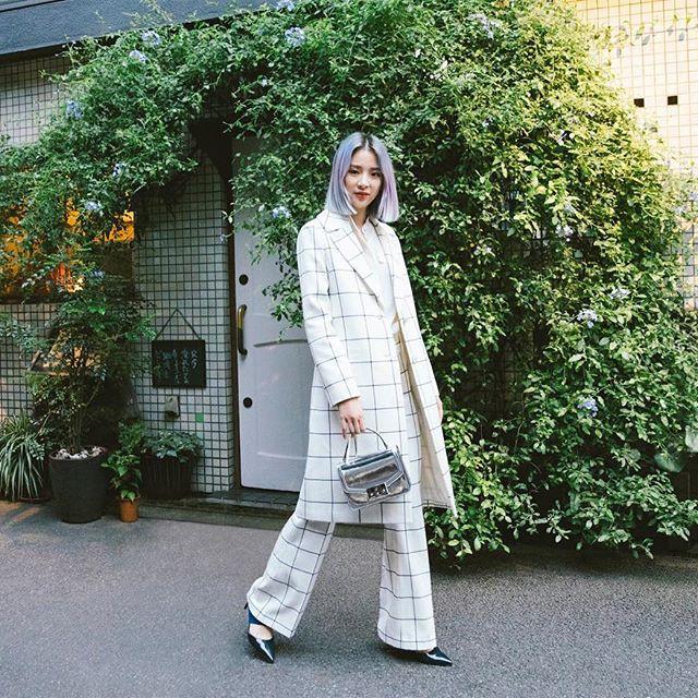 Càng cuối năm, street style của các quý cô Châu Á trông lại càng chất lừ và cực mãn nhãn - Ảnh 9.