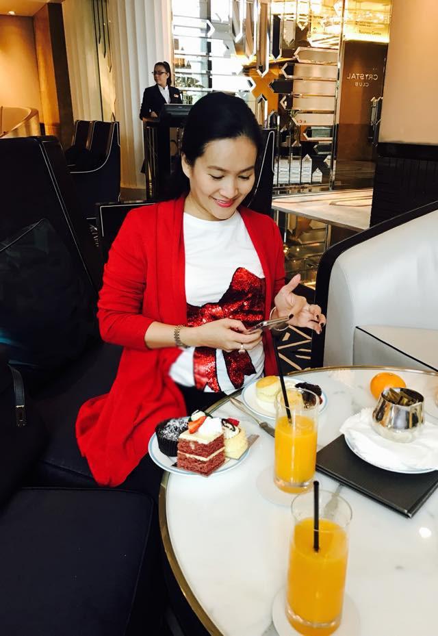 Chân dung vợ đại gia hơn tuổi của Bình Minh: Ngoài xã hội là người đàn bà thép, về nhà là lạt mềm buộc chặt - Ảnh 19.