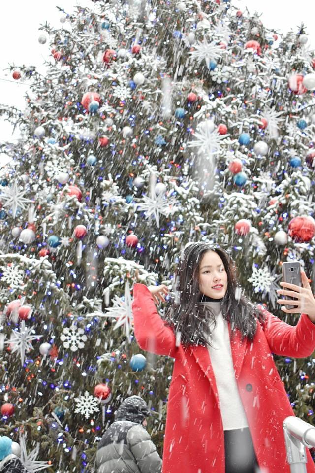 Khởi động mùa lễ hội qua những gợi ý sắc màu đến từ các người đẹp Việt - Ảnh 2.