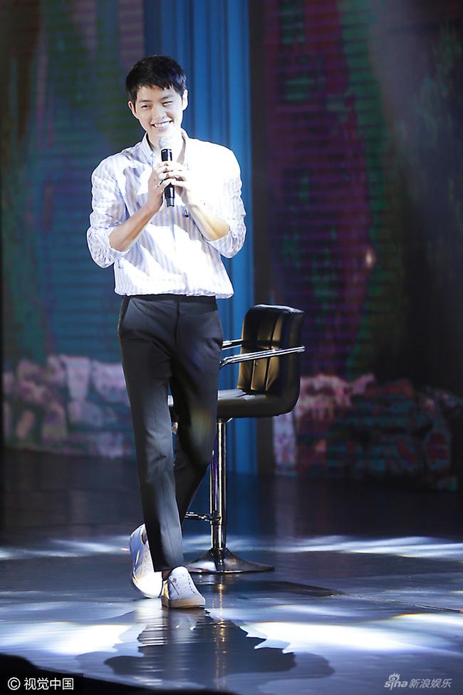 Chỉ có Song Joong Ki - chàng soái ca toàn mỹ, mới đủ sức níu giữ trái tim của ngọc nữ họ Song - Ảnh 13.