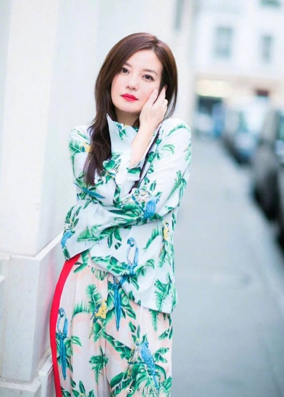 Ở tuổi 41, sau những lẫn bị chê béo, xuống sắc cuối cùng Triệu Vy cũng trở về với nhan sắc làm nao lòng người - Ảnh 22.