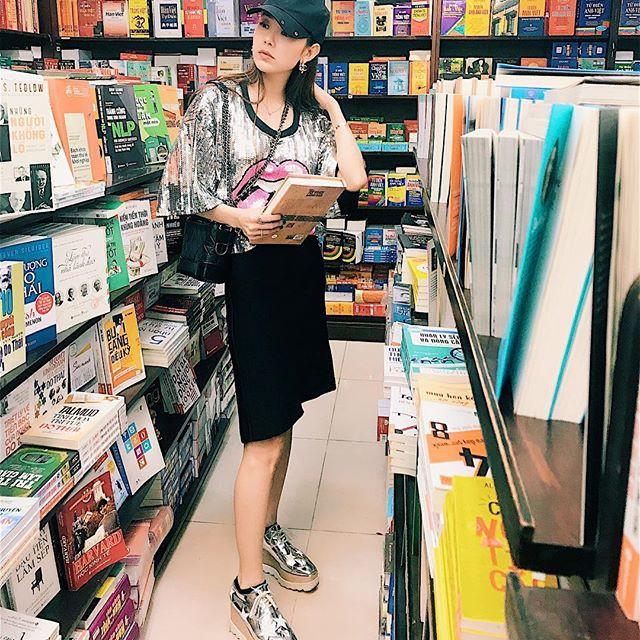 Chỉ diện áo phông đơn giản thôi mà Kỳ Duyên cũng đẹp xuất thần trong street style tuần này - Ảnh 17.