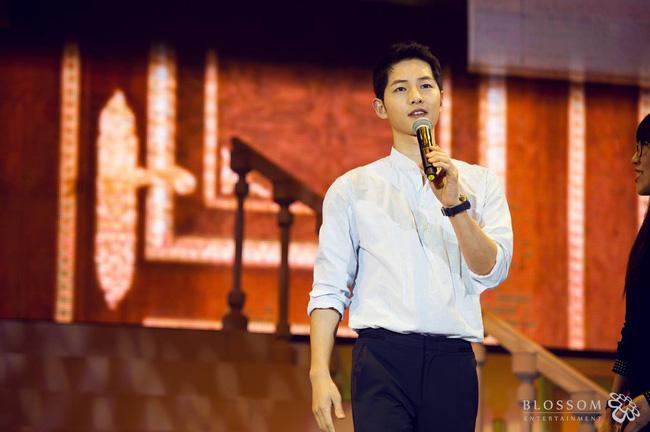 Song Joong Ki đẹp từ thần thái đến phong cách thế này, hạ gục được Song Hye Kyo cũng là điều hiển nhiên - Ảnh 16.