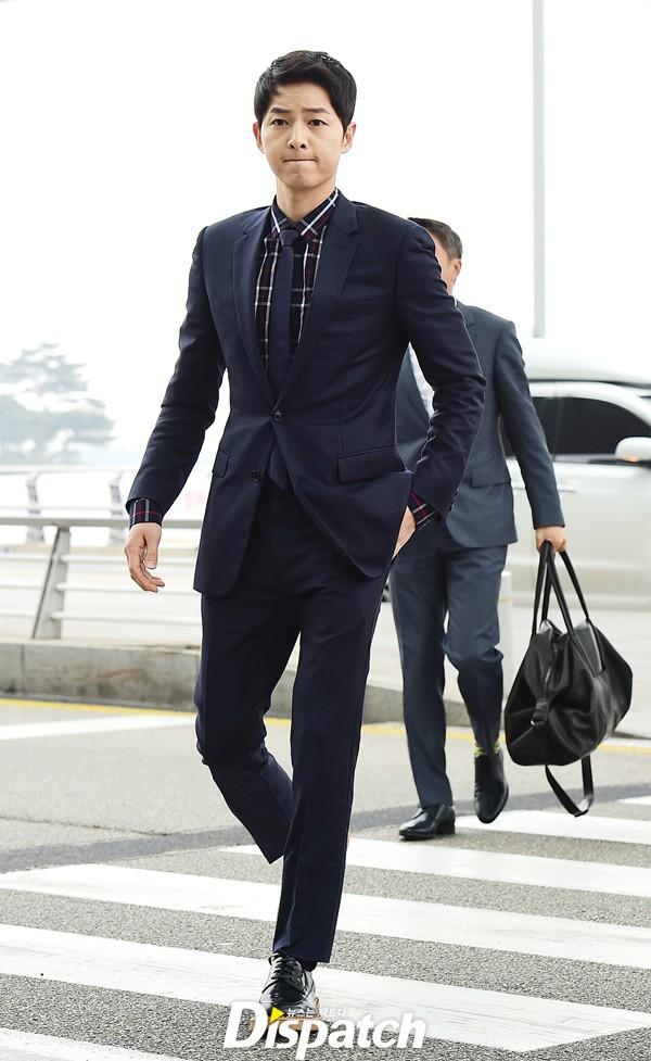 Song Joong Ki đẹp từ thần thái đến phong cách thế này, hạ gục được Song Hye Kyo cũng là điều hiển nhiên - Ảnh 7.