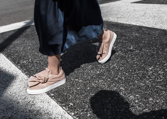 Xu hướng giày dép 2017: Thời đại của những thiết kế bánh bèo thắt nơ - Ảnh 19.