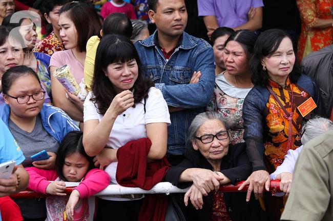 Độc đáo cuộc thi Kéo co ngồi truyền thống giữa lòng Hà Nội - Ảnh 3.