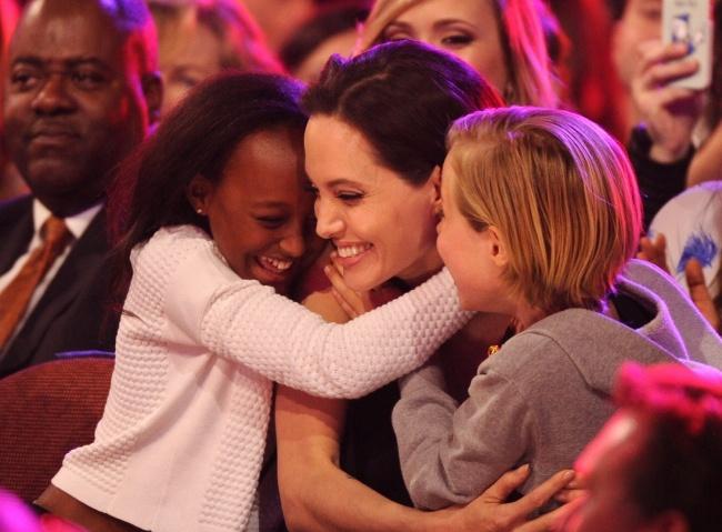 Những đứa trẻ hạnh phúc nhất thế giới thường xuyên được bố mẹ làm việc này - Ảnh 6.