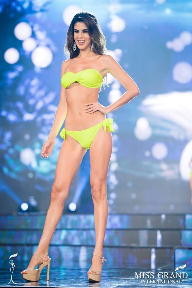 Quyến rũ trên sân khấu là vậy, nhưng ngoài đời Tân Hoa hậu Miss Grand lại sở hữu style cá tính hoàn toàn - Ảnh 3.