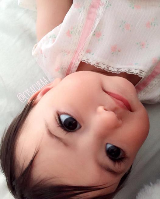 """Lại thêm 1 em bé lai có đôi mắt đẹp hút hồn khiến fan hâm mộ """"phát sốt"""" - Ảnh 3."""
