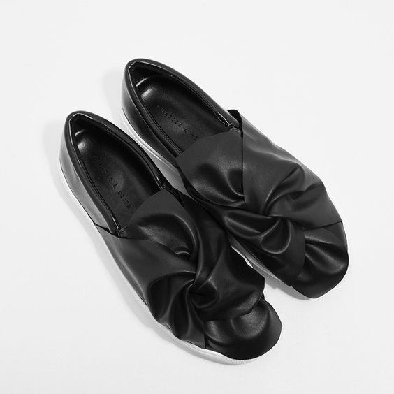 Xu hướng giày dép 2017: Thời đại của những thiết kế bánh bèo thắt nơ - Ảnh 18.