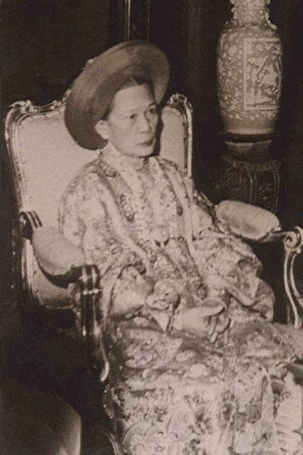 Hoàng thái hậu cuối cùng của triều Nguyễn: xuất thân nô tì, cả đời không được ở gần con cháu, chết trong cô độc - Ảnh 3.