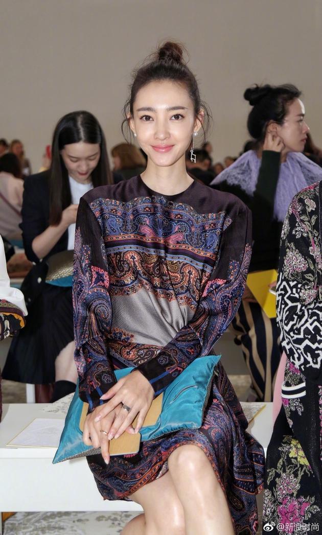 Lưu Thi Thi diện đồ ngầu, để tóc ngắn tua tủa nổi bật tại Tuần lễ thời trang Milan - Ảnh 9.