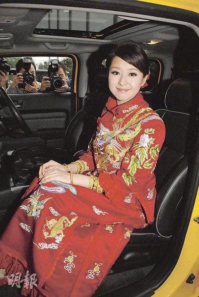 Là vợ đại gia, sống trong nhung lụa, mỹ nhân Hong Kong 3 con gái bị nhà chồng gây áp lực sinh bằng được con - Ảnh 6.